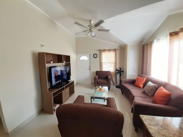 Sunshine Country Club 2BR (Gated Community)