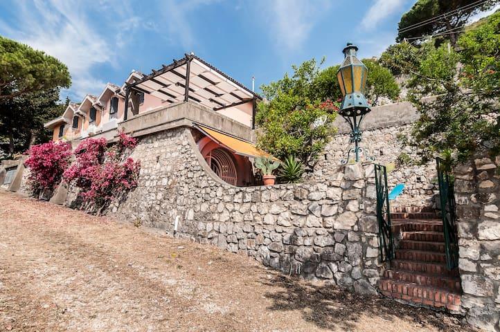 Villa sul mare immersa nel verde - Террачина - Вилла