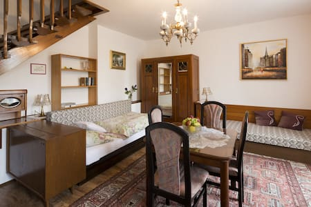 Apartment Under Stairs - Tábor - Bed & Breakfast