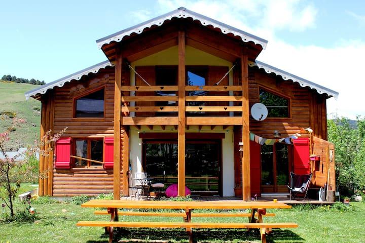Chambre avec sauna dans chouette chalet en Capcir - Fontrabiouse - Hytte (i sveitsisk stil)