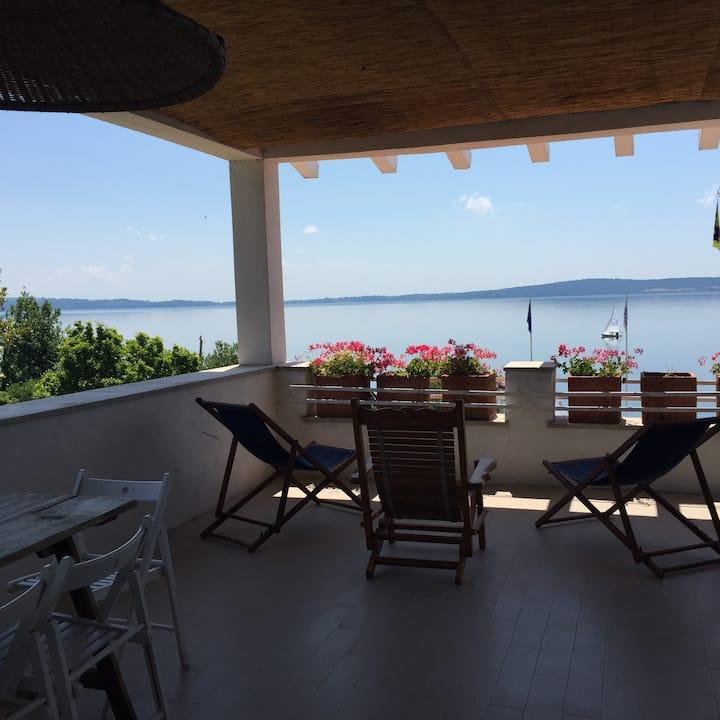 Verde Blu Tramontana  Lakefront with Terrace