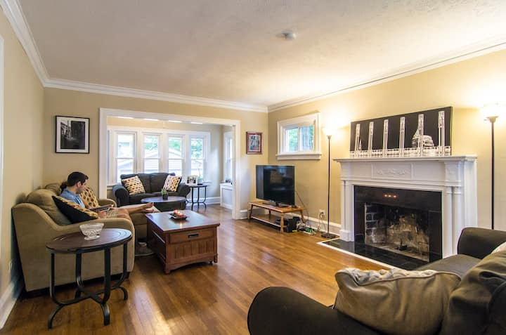 Heart of CLE, Long term lease >1year $600 monthly