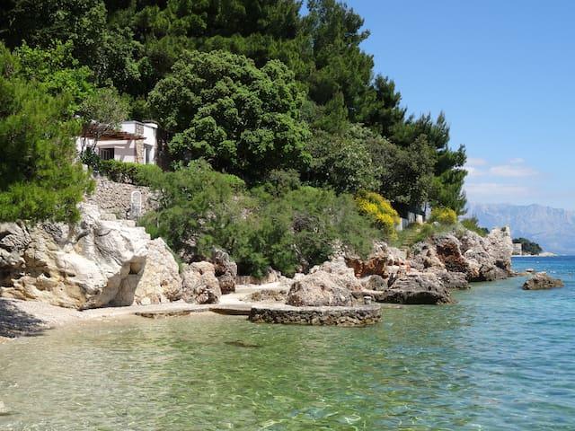 Idyllic house first row to the sea - Omiš - House