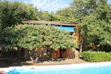 Cottage with private swimming pool - San Feliciano, PG