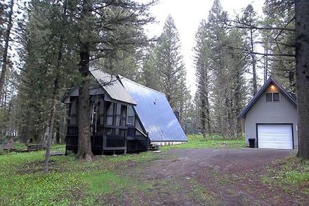 Mountain Chalet $150-Sleeps 8 - Island Park