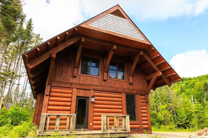 Log Cabin Mont-Tremblant - Lac-Supérieur - Chatka w górach