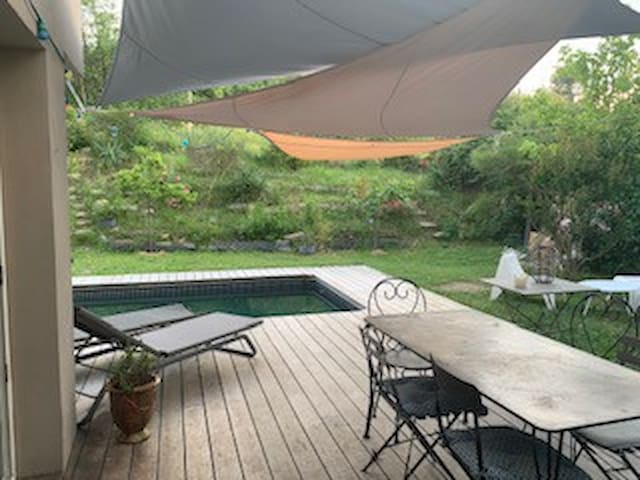 villa  piscine - Montpellier -mer et rivières