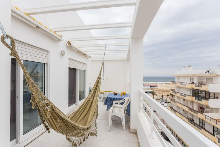 Charming house with sea view - Monte Gordo - Apartemen