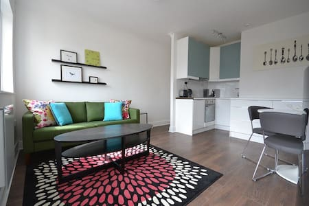 Sunny apartment, Docklands-20% discount per month