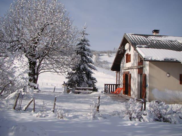 Maisonnette à Corrençon en Vercors - Corrençon-en-Vercors - Casa