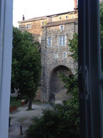 Fenêtre coté rue