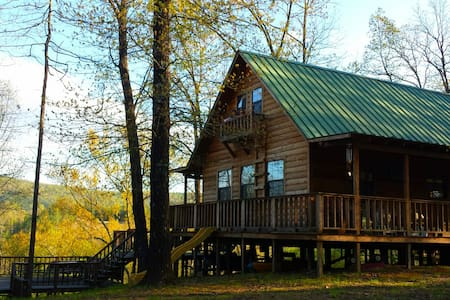 Thunder Mountain Riverfront Cabin - Caddo Gap, AR