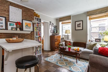 Charming Soho 1 Bedroom Apartment