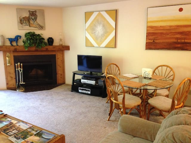 Awesome Condo In Twin Lakes Idaho - - Rathdrum