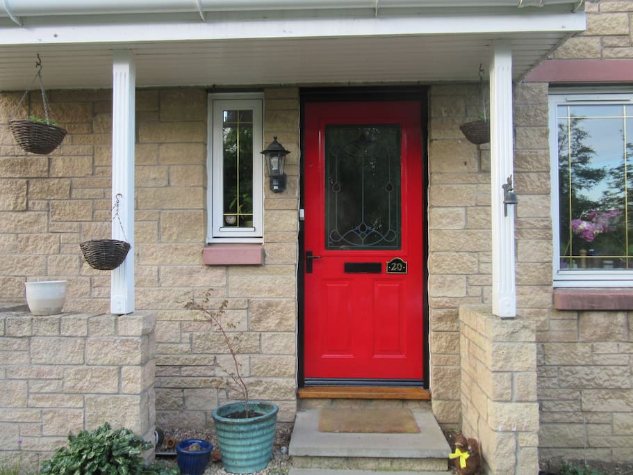 red front door with number 20 on- easy to spot