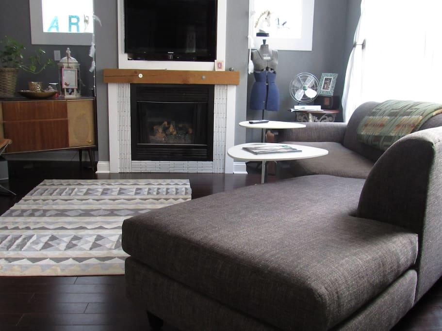 Be our guest during your stay and watch t.v and sit on our comfy couch.