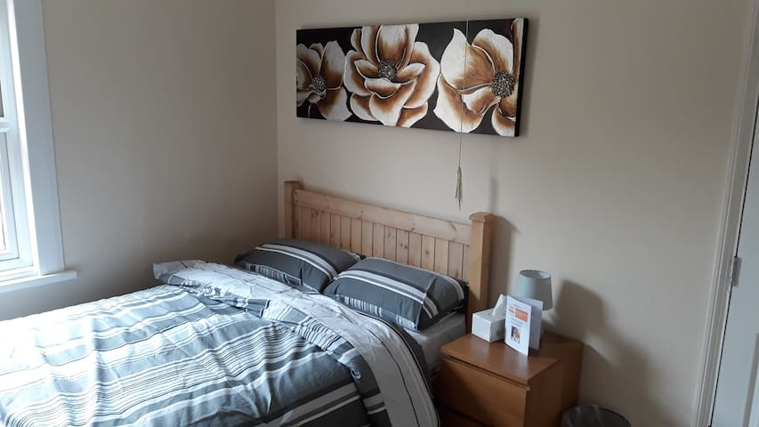 Double Room to Rent (BD4)