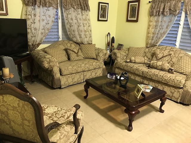 F Street Apartments - Belize City - Appartement