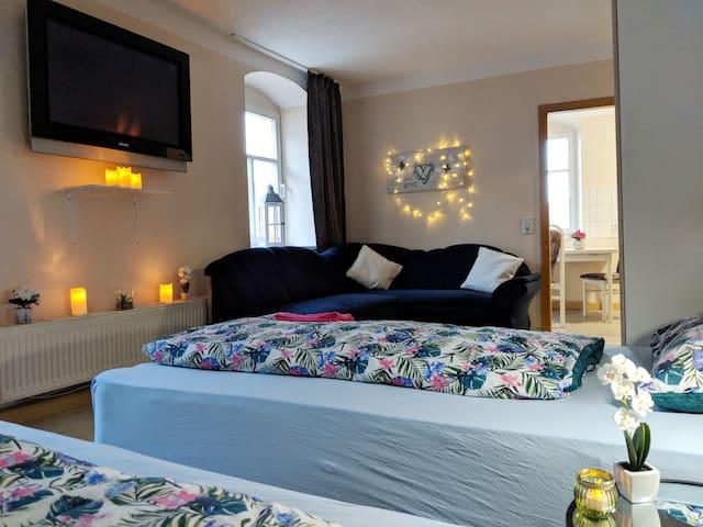 Gemütliche Wohnung mit Kingsize-Betten & Ambiente