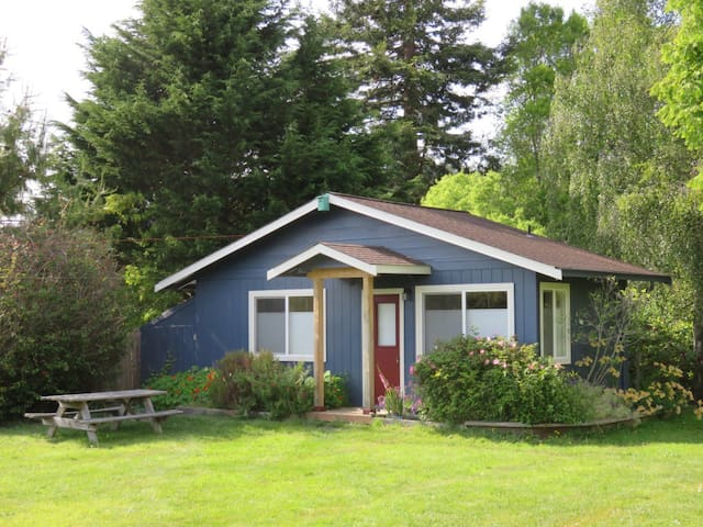 Buttermilk Bungalow - Arcata - Cabin