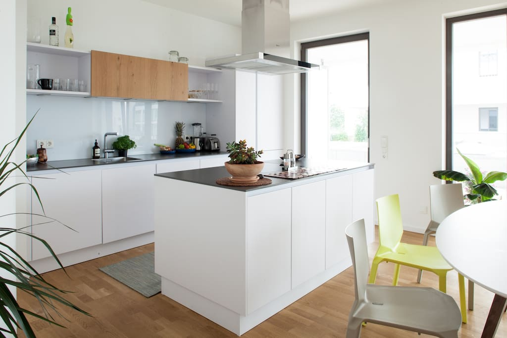 Spacious kitchen with easy access to terrace. Equipped with dishwasher, full fridge and separate freezer.