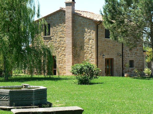 I Tre Casali Farm - Sovana - Sorano - Huis