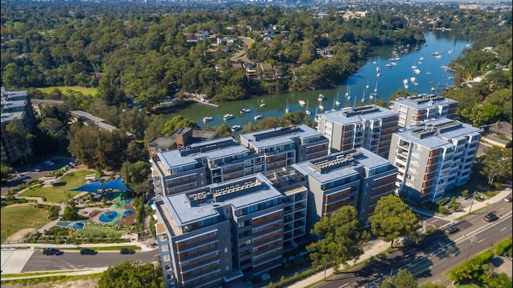North Shore Gem 10Km to Sydney CBD + Free Parking