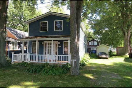 Beautiful Crystal Beach Cottage - Fort Erie