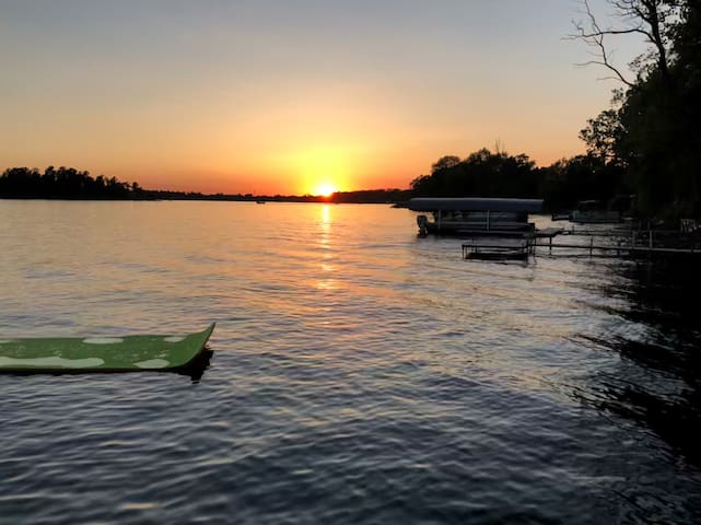Enjoy the great sunset from the house deck or dock!