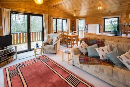 Self-catering chalet in rural Fife - superb views - Auchtermuchty