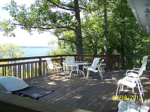 Finger Lakes cottage on Seneca Lake - Geneve - Hus