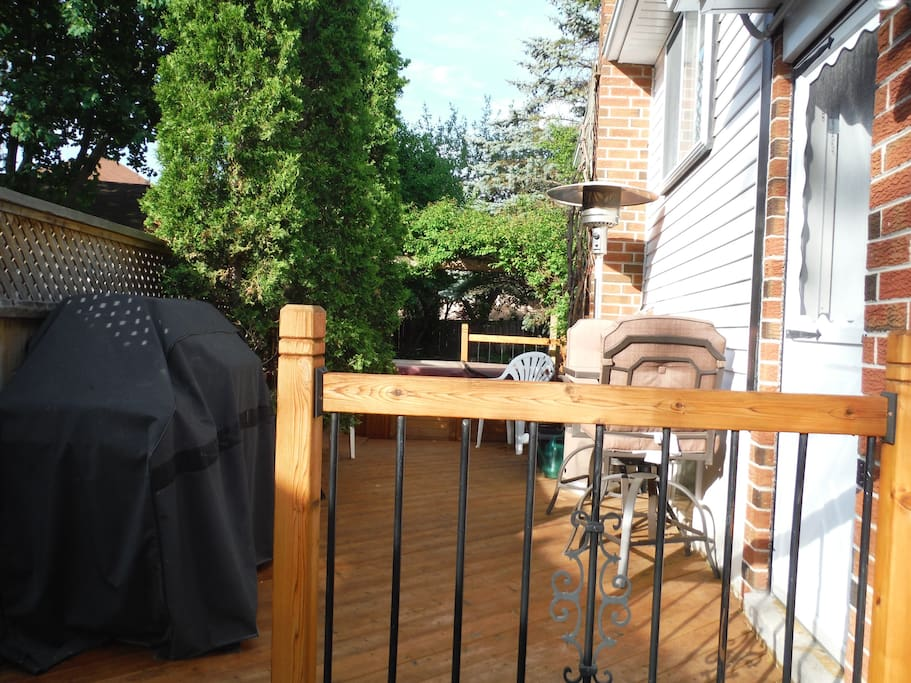 Deck with BBQ and Hottub