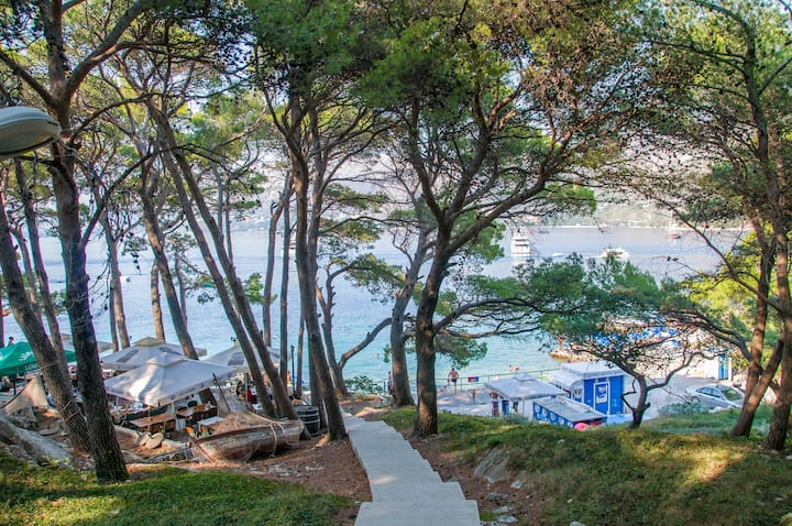 Vacation house Cavtat-apartment close to beach 4+1
