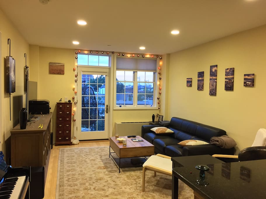 Gorgeous 1 Bedroom Balcony View Apartments For Rent