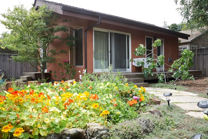 Cottage Studio in Garden Setting