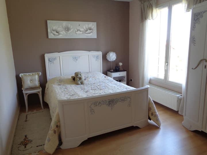 2 chambres cosy, petit déjeuner compris à Ternay
