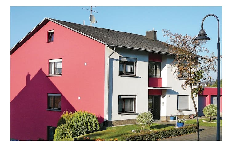 Holiday apartment with 2 bedrooms on 95m² in Hermeskeil
