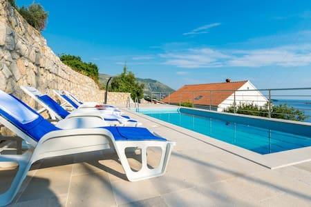 VILLA Adriatic - Mlini - Bed & Breakfast