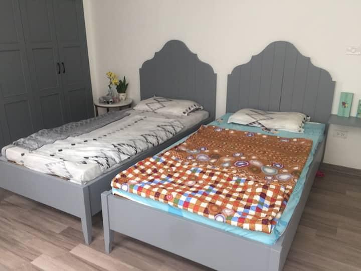Long Bien friendly room