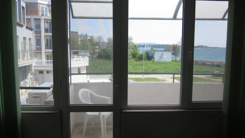 Apartment 2 rooms, balcony Sea view - Ravda