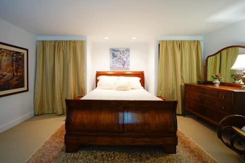 The Garden Bed Room