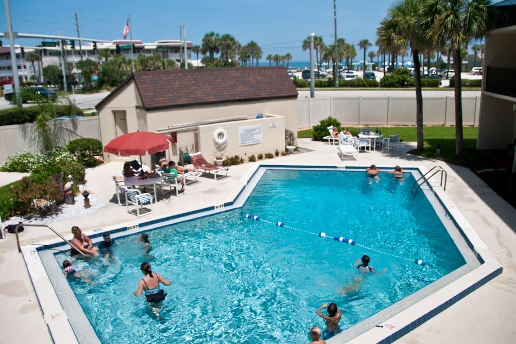 Beach Access Sunrise Views Pool Condo Apartments For Rent In New Smyrna Beach Florida