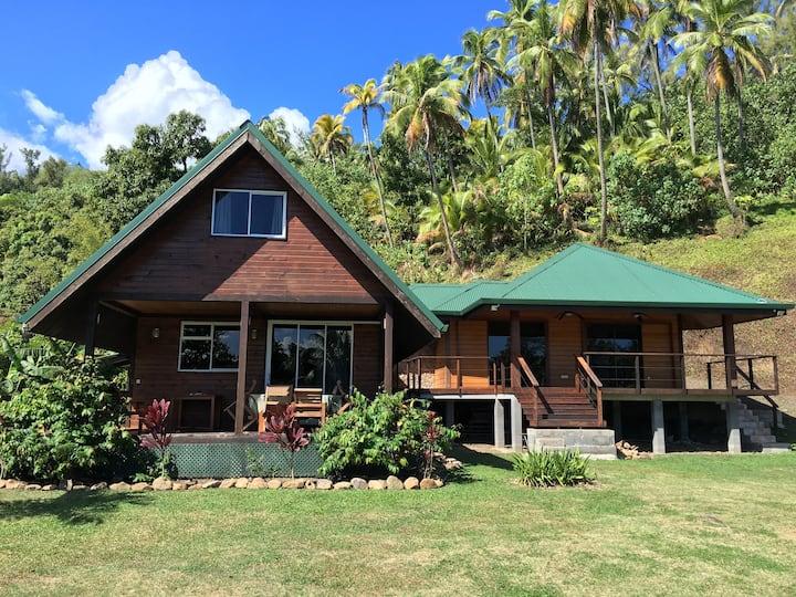Hinatea's Island Home- Moorea, Haapiti