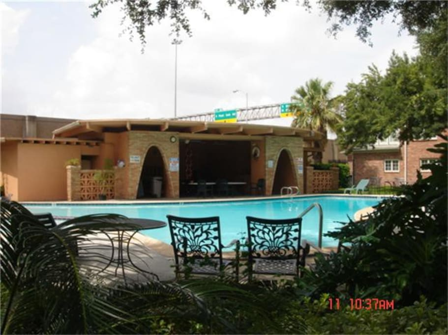 Swimming pool and picnic area with bath house,
