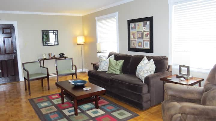 Upscale Appointed Condo--Ideal for Extended Stays