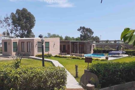 Casa de campo en Mala con piscina