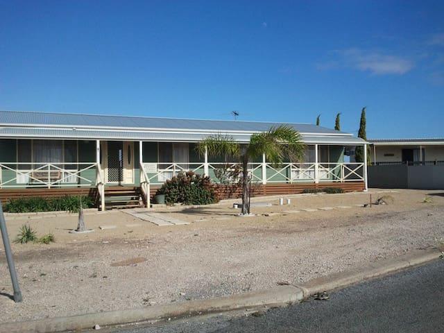Annie's Rest - Tiddy Widdy Beach - Maison