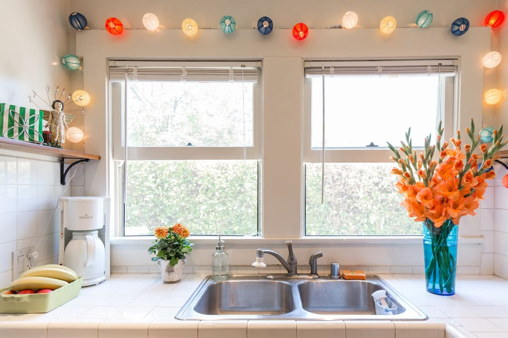Sunny Kitchen with Full Amenities