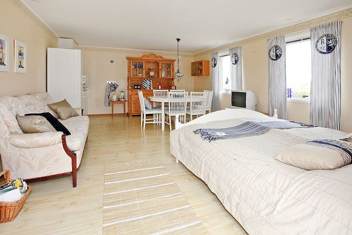 Charming Studio with pentry,db bed - Varberg