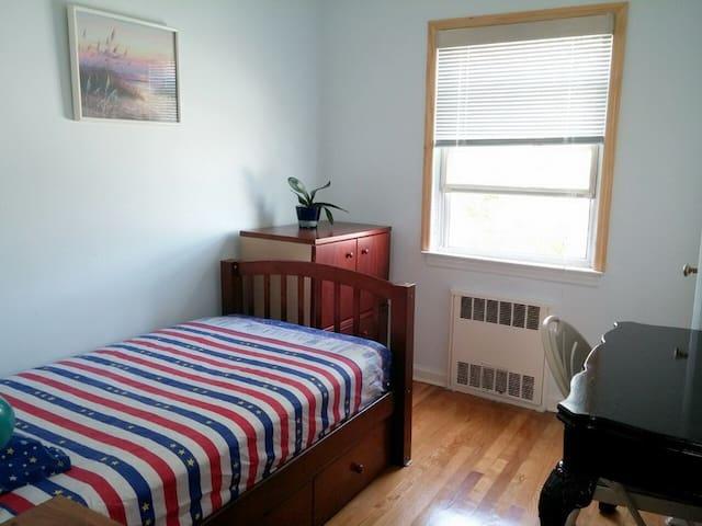 3)Cozy Sunny Warm Room  阳光温馨单房 停车容易